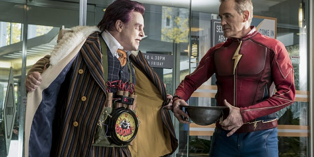 The Trickster Earth 3 Mark Hamill and Jay Garrick John Wesley Shipp-1