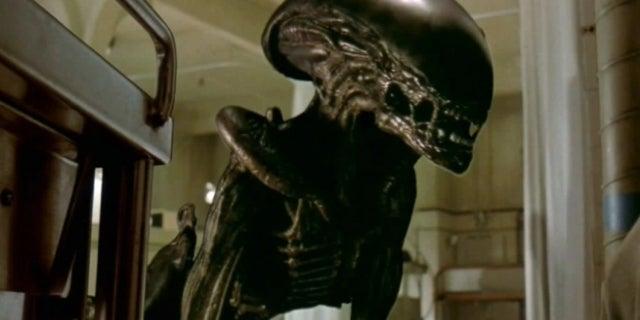 'Alien 3' Featurette Shows a Dog Transform Into an Alien