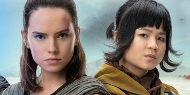 star-wars-the-last-jedi-daisy-ridley-kelly-marie-tran-hug