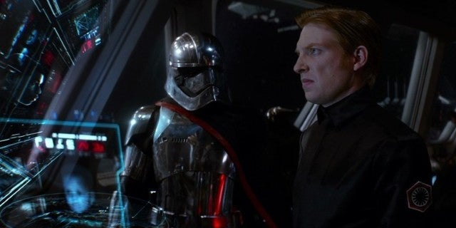 star-wars-the-last-jedi-general-hux-captain-phasma-murder