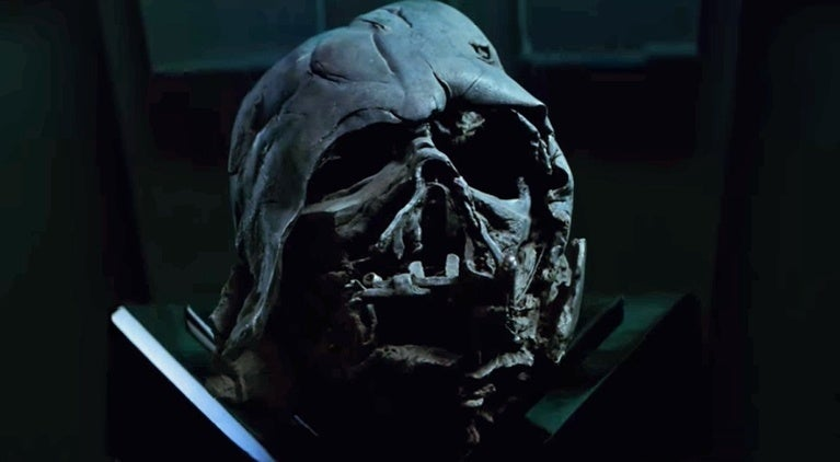 star-wars-the-last-jedi-where-is-vaders-helmet