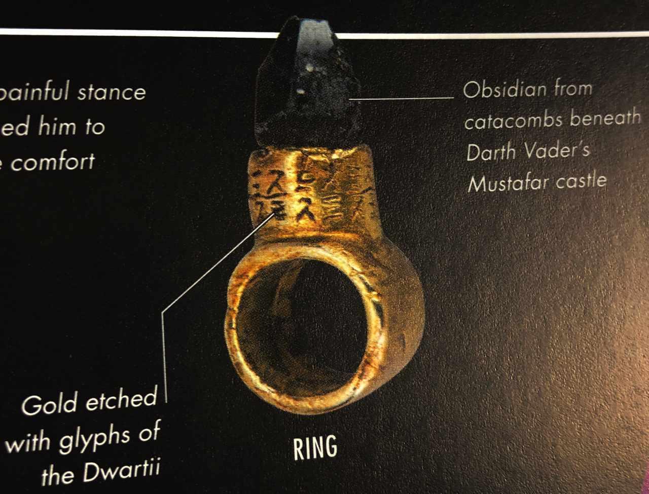 the last jedi supreme leader snoke ring