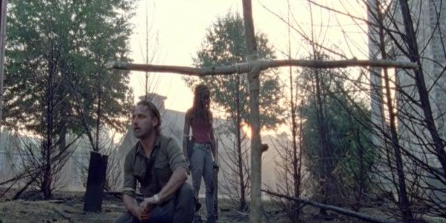 The Walking Dead Carl grave