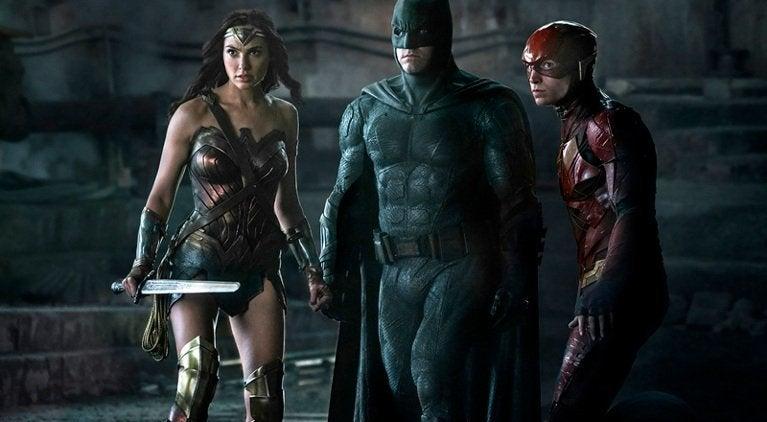 justice-league-film-trailer-comparison-video