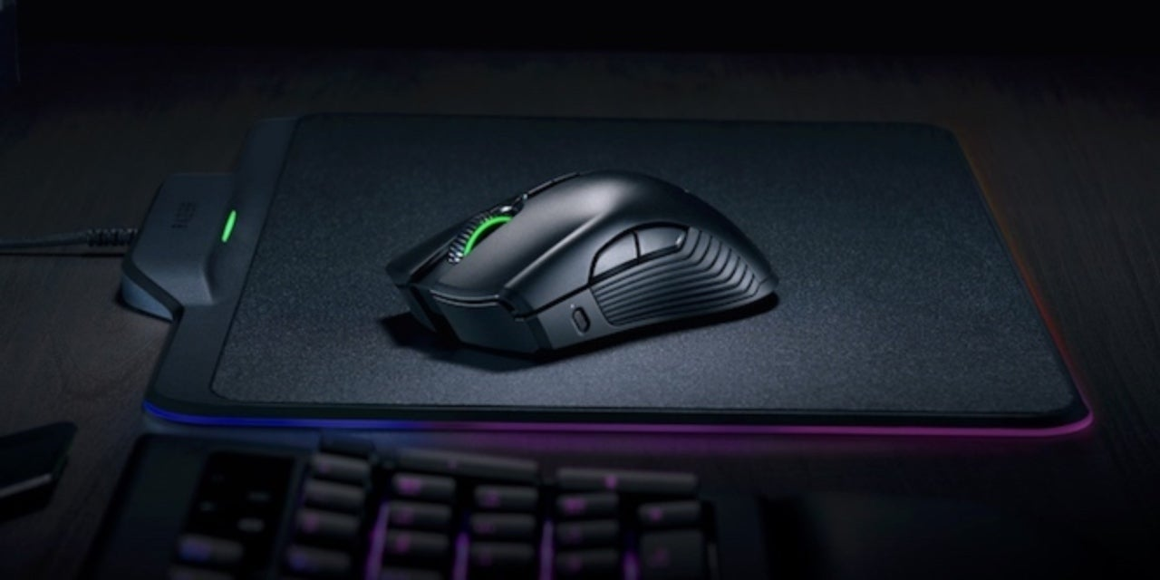 Razer Made A Wireless Mouse With No Battery Power Absorbed Through Mamba 5g Chroma Gaming Mousepad