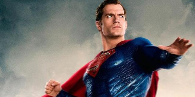Henry Cavill Has Perfect Response To Ryan Reynolds Trolling His Justice League Mustache