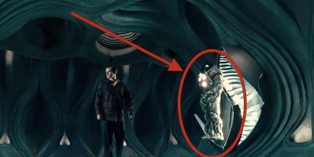 Kryptonian-astronaut-suit