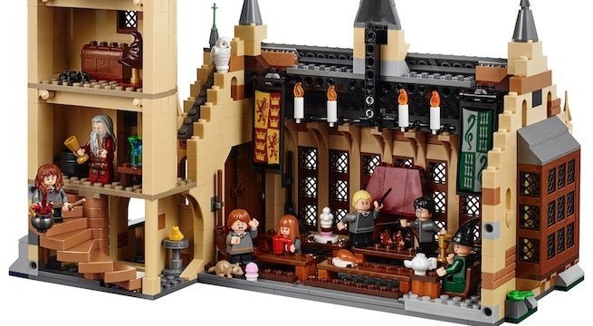 lego-wizarding-world-hogwarts-great-hall-top