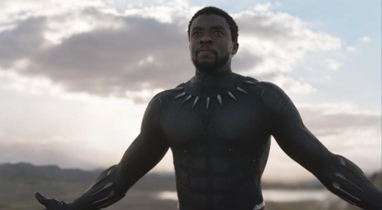 Black Panther' Star Chadwick Boseman Thanks Marvel Fans for Teen Choice Award