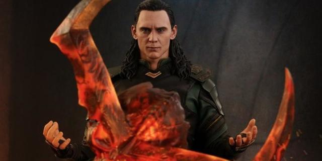 hot-toys-thor-ragnarok-loki-figure-top