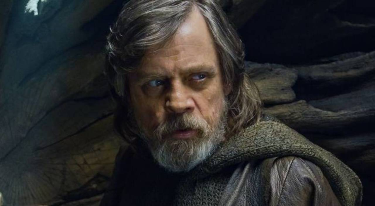 Mark Hamill Has Opinions About a Luke Skywalker Bust on Display at Star Wars: Galaxy's Edge