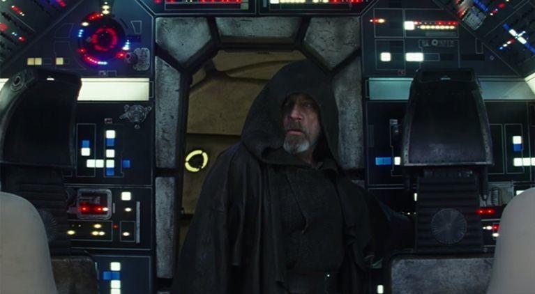star-wars-the-last-jedi-mark-hamill-millennium-falcon