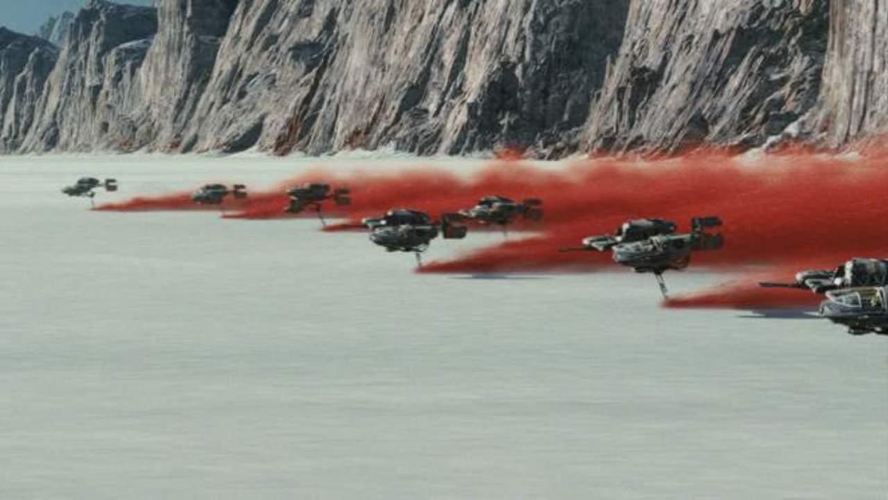 Star Wars: Geophysicist Shuts Down Critics of 'The Last Jedi' Salt-Licking Scene