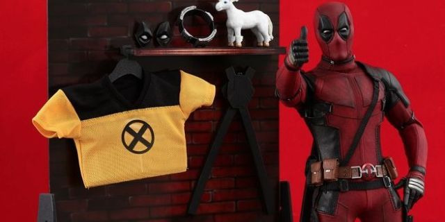 hot-toys-deadpool-2-figure-top