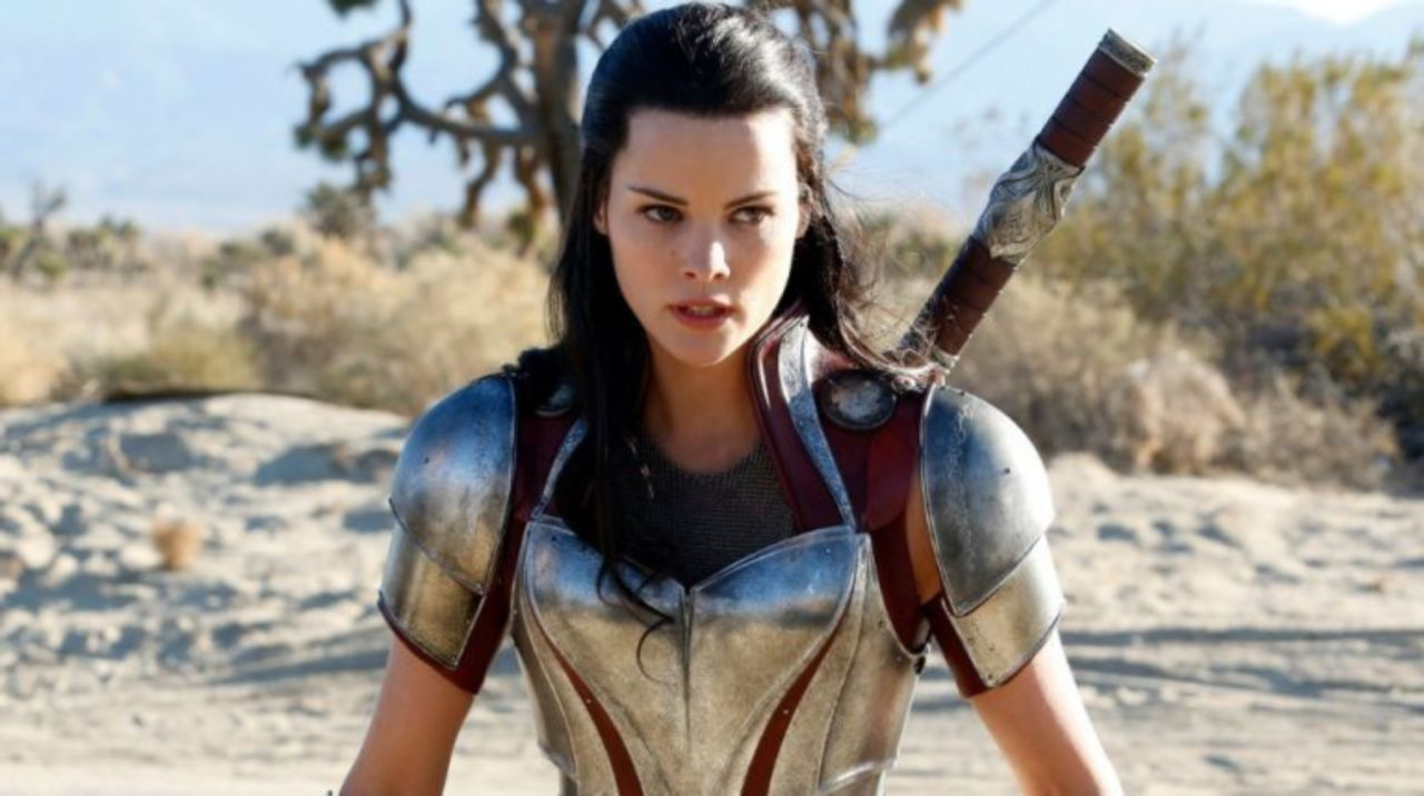 Thor Star Jaimie Alexander Shares New Photo Showing Recovery From Surgery