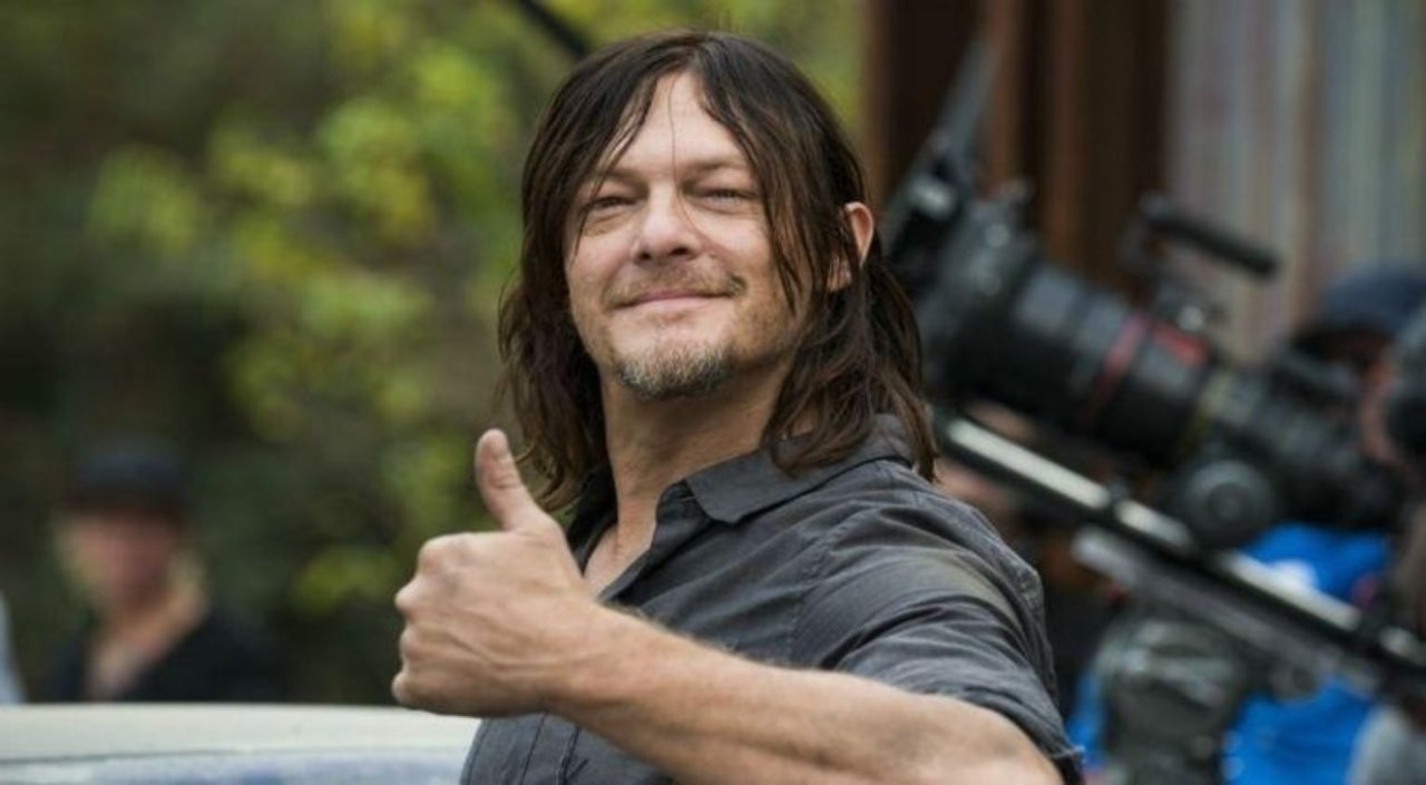 the walking dead norman reedus reportedly getting huge paycheck to
