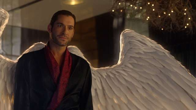 Lucifer-3.01-Theyre-Back-Arent-They-dressing-gown-and-wings