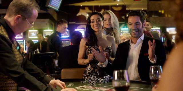 Lucifer-306-Vegas-With-Some-Radish-Luifer-Ella-play-poker•••