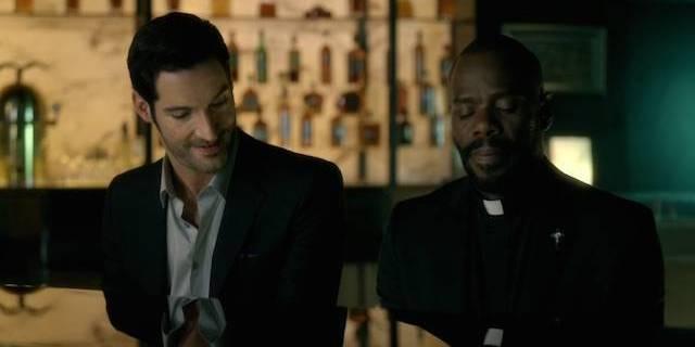 priest-walks-into-a-bar