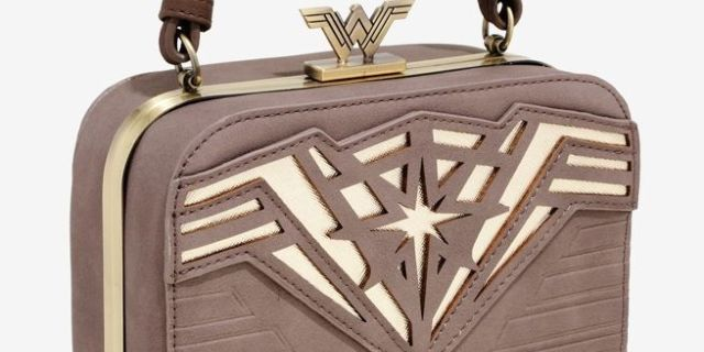 wonder-woman-goddess-handbag-top
