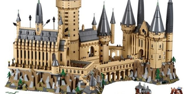 LEGO's Massive 'Harry Potter' Hogwarts Castle Set Arrives Tonight