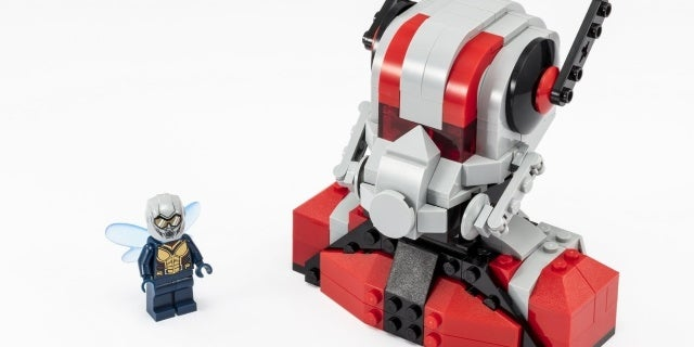 LEGO_SDCC_2018_Ant-Man_and_the_Wasp-2