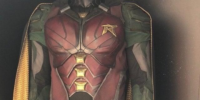 robin costume titans
