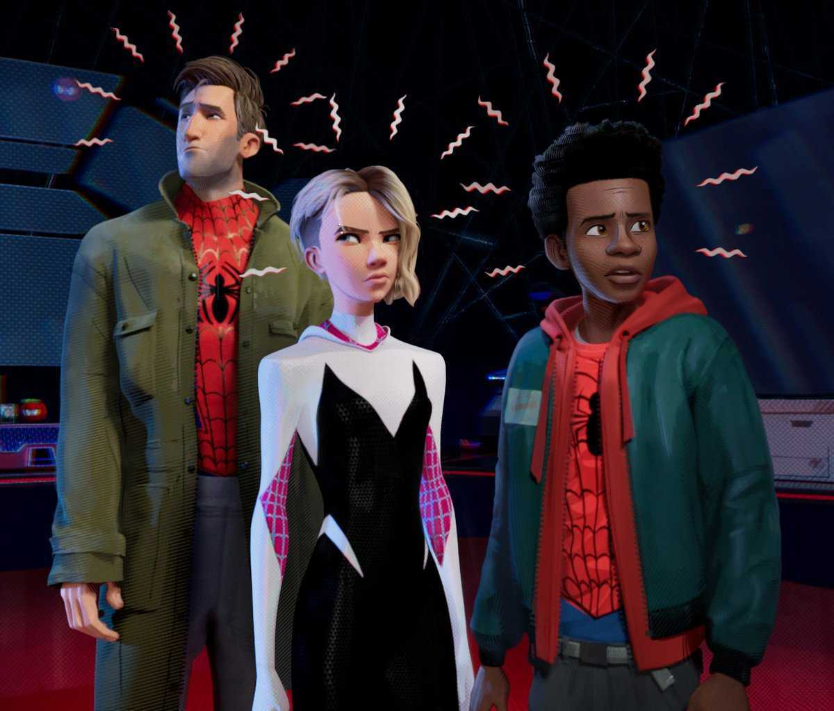 "spider-man in the spider verse new photo ""title ="" spider-man in the spider verse new photo ""height ="" 558 ""width ="" 655 ""data-item ="" 1[ads1]124168 ""/>    <figcaption> (Photo : Sony Pictures) </figcaption></figure> <p>  The photo shows the three ""Spider-People"" with their spider-senses tingling. </p> <p>  The comic-con audience also saw a roll of new footage from the animated film, in which Miles (Shameik Moore) Peter (Jake Johnson) meets Peter's grave and learns that Peter really comes from another universe and asks Miles Peter to help him learn how to be Spider-Man Gwen Stacy (Hailee Steinfeld) also appears from another dimension Saves Peter and Miles of Kingpin (Liev Schreiber). Another fast-paced scene was The Lizard's Attack of the Heroes. </p><div><script async src="