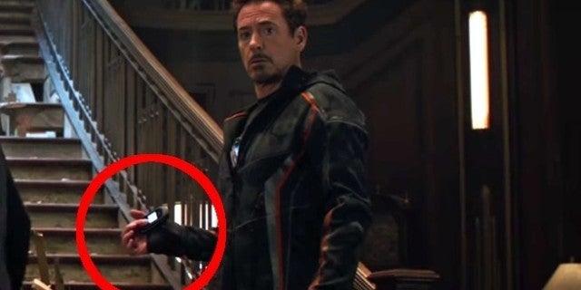 avengers-infinity-war-iron-man-captain-america-phone