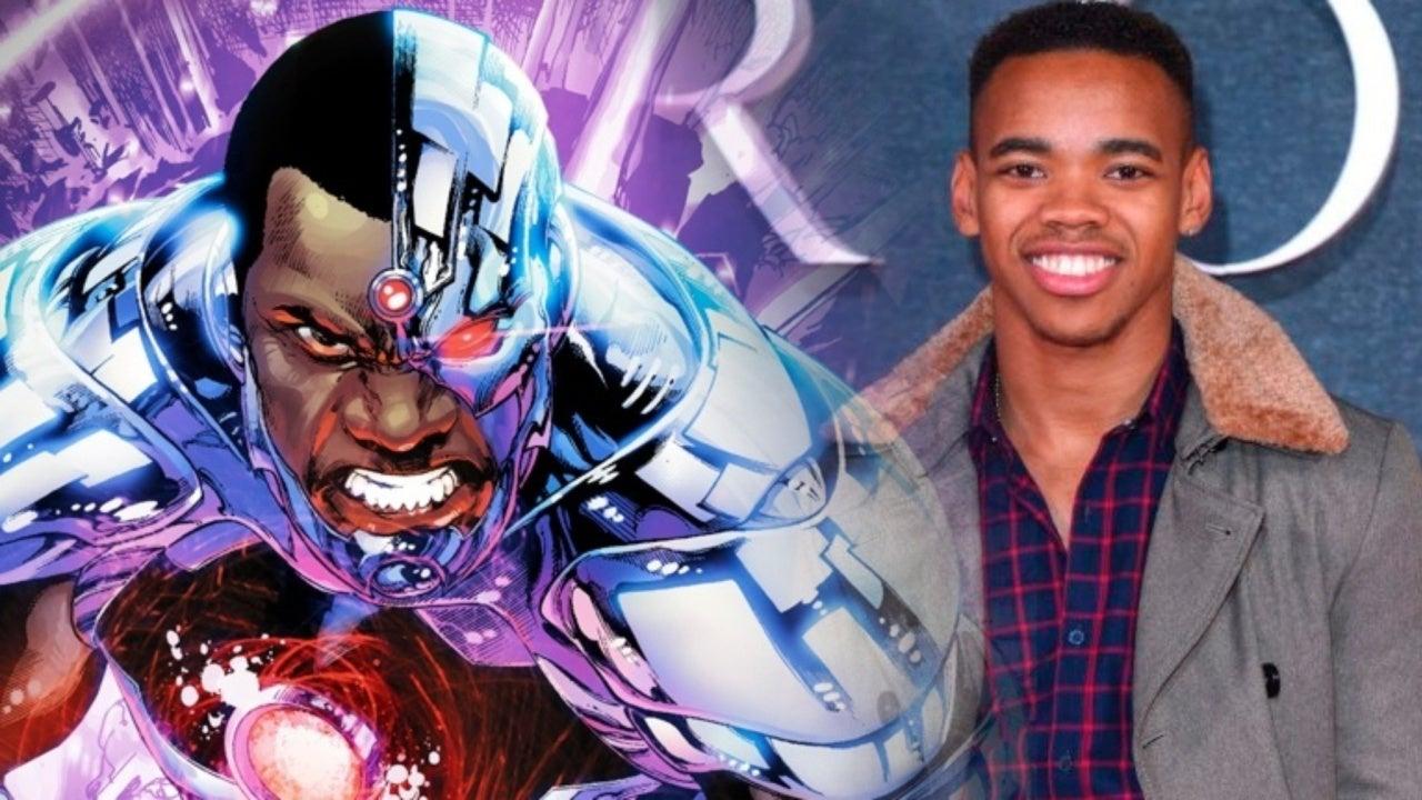 Doom Patrol Jovian Wade Says Cyborg S Costume Is Amazing