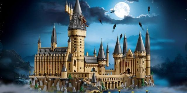 hogwarts-castle-lego-set-new-top