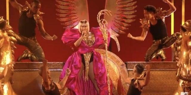 Nicki-Minaj-Rita-Repulsa-MTV-Awards