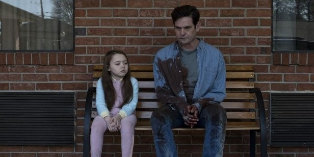 the haunting of hill house henry thomas header