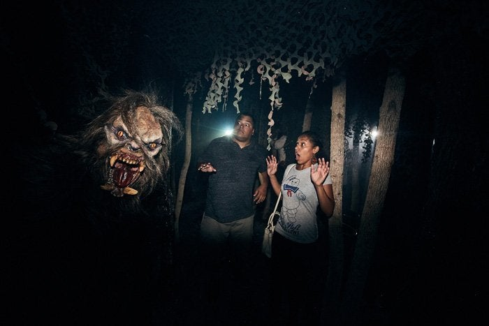 13_Slaughter Sinema Haunted House_HHN2018
