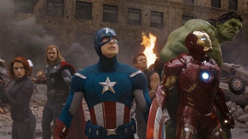 Avengers 4 Team Circle Shot