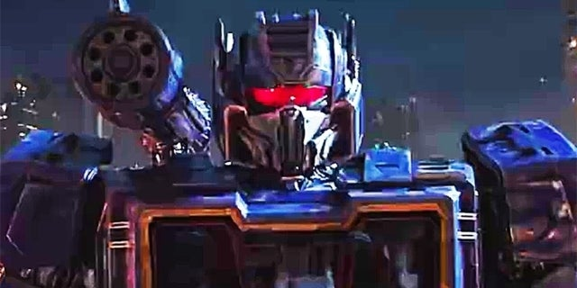 Transformers' 'Bumblebee' Teasers Reveal First Look at Optimus Prime, Soundwave and More