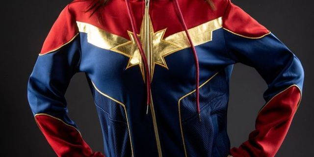 captain-marvel-hoodie-top
