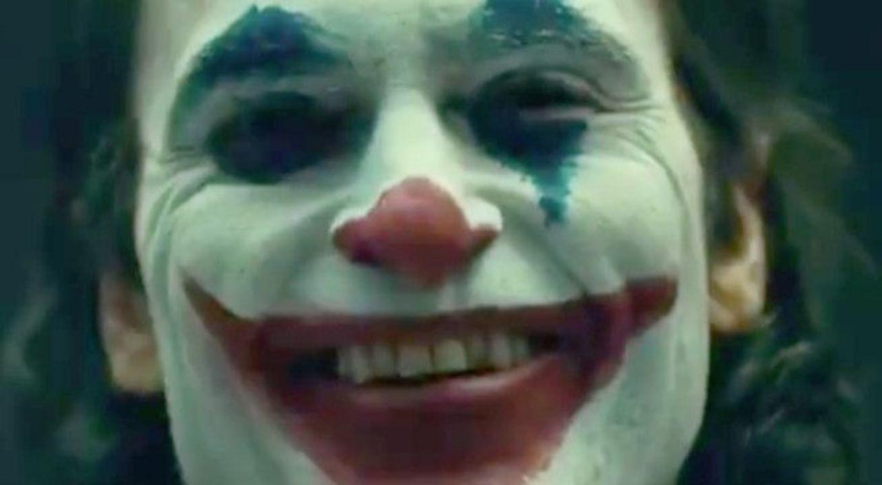 <b>Joker</b>&#39; Director <b>Reveals</b> First Look at <b>Joaquin Phoenix</b> in <b>Makeup</b>