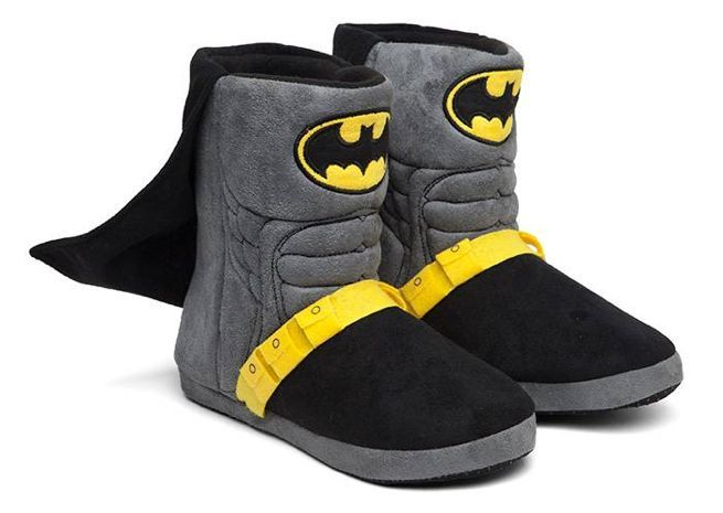 a6c26a71d91f28 These Batman Slippers Have a Utility Belt