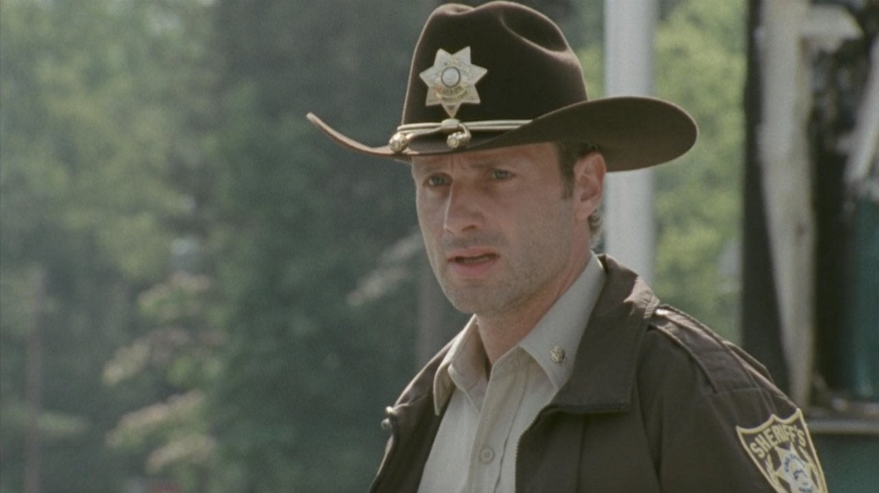 The Walking Dead   Rick Just Took On His Season 1 Look 9e1ef1fe608
