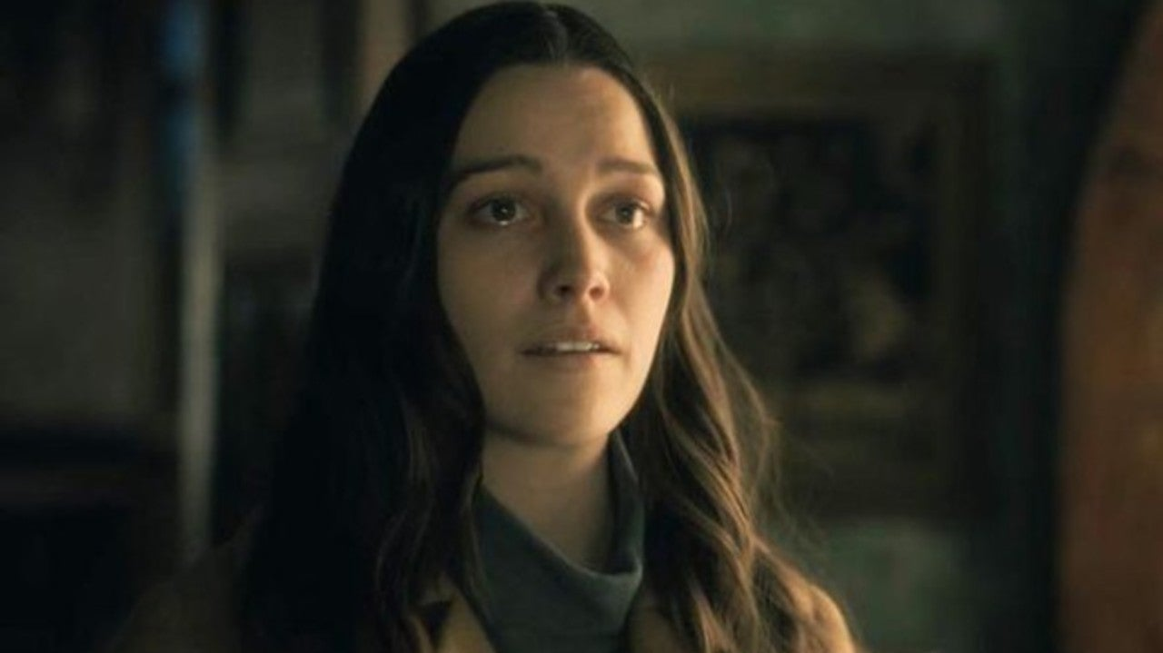 Haunting Of Hill House Star Victoria Pedretti Returning For The Haunting Of Bly Manor