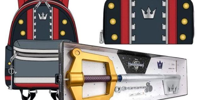 kingdom-hearts-3-backpack-and-keyblade-top