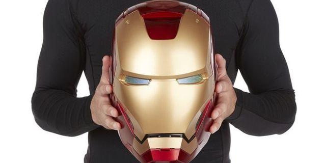 marvel-legends-iron-man-electronic-helmet-top