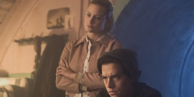 riverdale 03x02 betty jughead