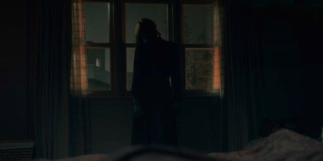 The Haunting of Hill House Bent-Neck Lady Nell Death Spoilers