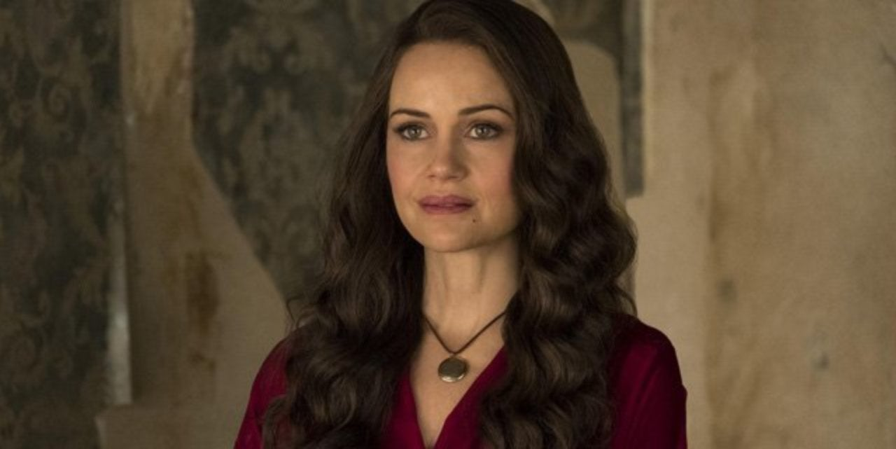 The Haunting Of Hill House Creator Explains The Crain Women S Powers