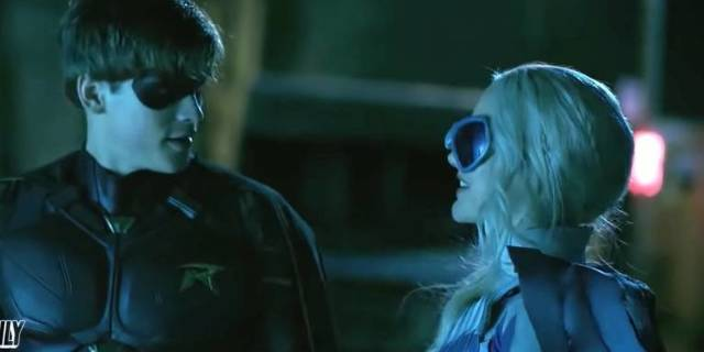 titans-new-footage-hawk-dove-robin-fight