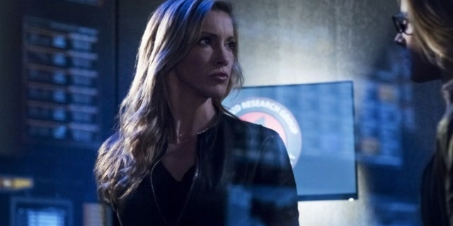 Arrow: Katie Cassidy Rodgers Reveals Title of Episode She's Directing