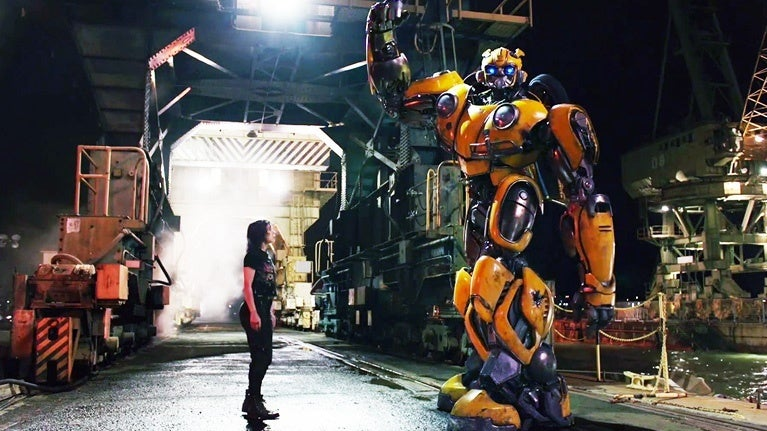Bumblebee-Movie-Charlie-Victory-Pose