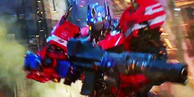 Bumblebee-Transformers-Optimus-Prime-Cliffhanger-Arcee